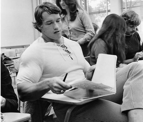 Conhecimento Arnold Schwarzenegger