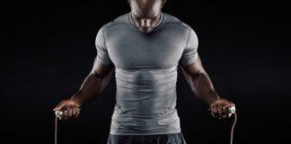 Pular corda emagrece Confira algumas dicas e benefícios Benefícios de Pular Corda Dicas de como pular cordas