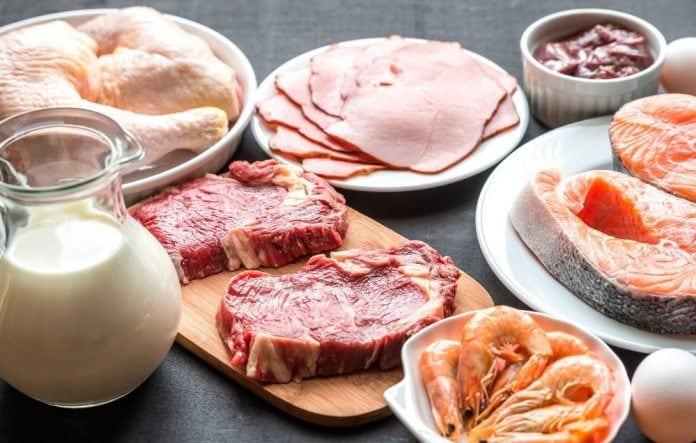 O que é a Vitamina B12, para que serve, benefícios, função, carência, excesso, alimentos e suplementos