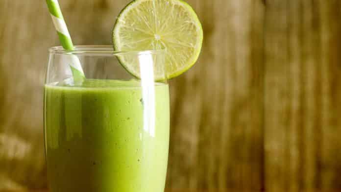 Vitamina de Abacate Low Carb e limão