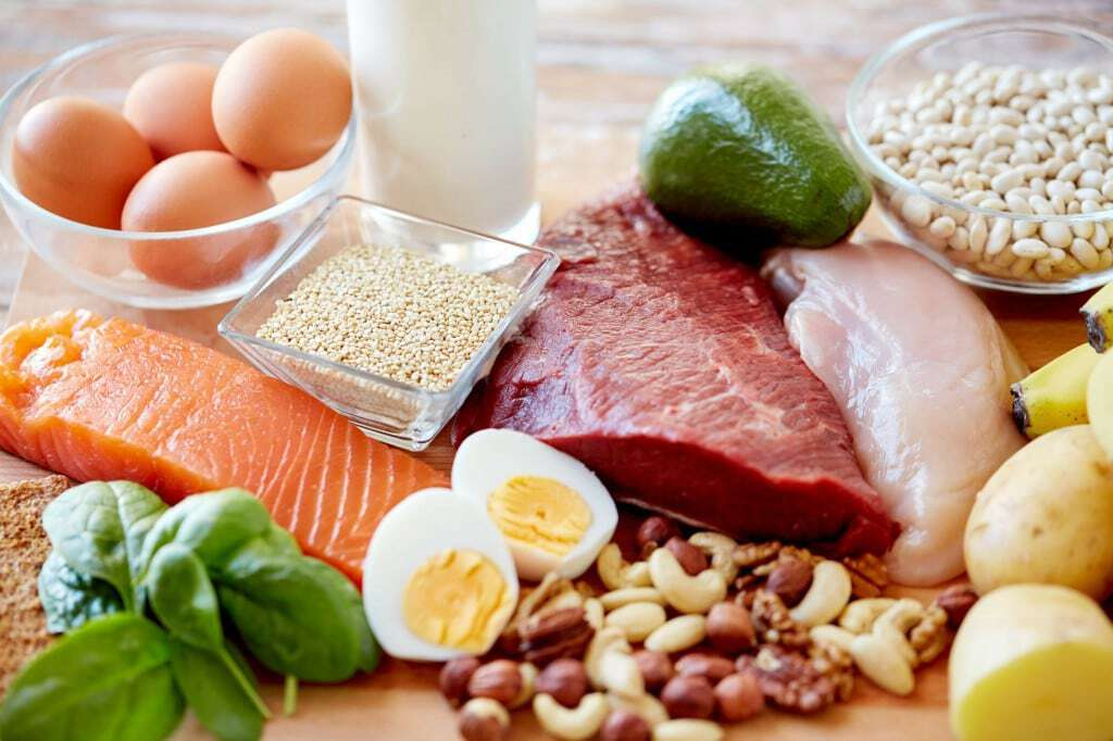 O que é a Vitamina B2 para que serve função carência excesso alimentos suplementos