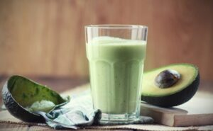 Receita de Vitamina de Kefir com Abacate