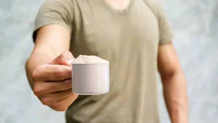 Tomar Whey Protein antes de Dormir ajuda no Ganho de Massa Muscular