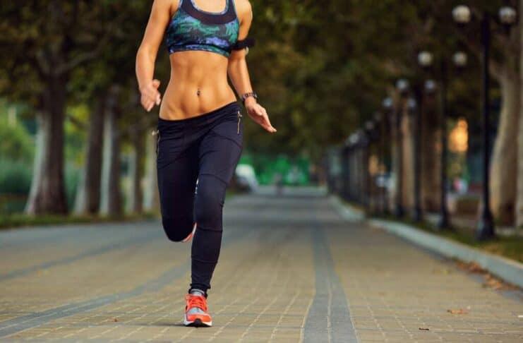 Benefícios do aeróbico em Jejum (para quem deseja perder peso rápido)