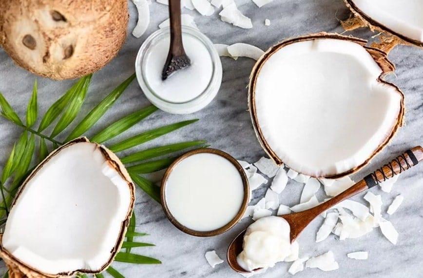 Melhores formas e como consumir óleo de coco na Dieta
