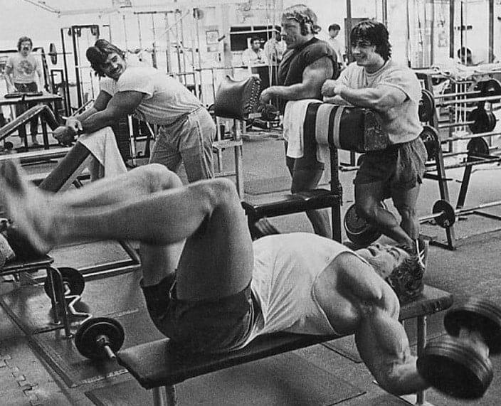Treino de Peito do Arnold Schwarzenegger Crucifixo