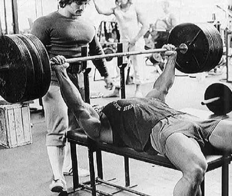 Treino de Peito do Arnold Schwarzenegger Supino